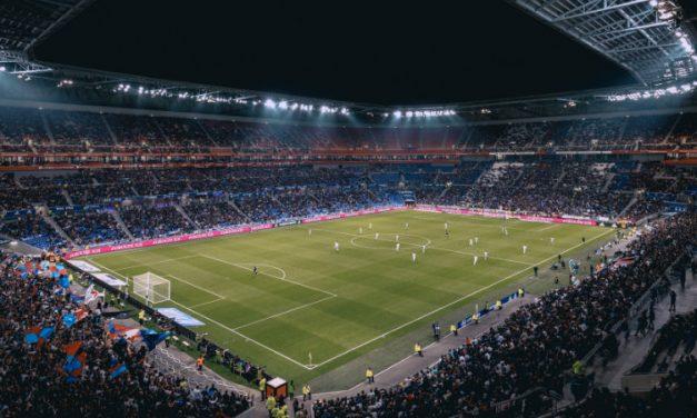 Como as concessões e PPPs favorecem a administração dos estádios de futebol?